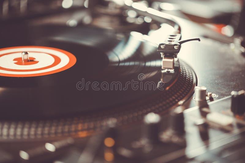 Lecteur de musique audio de disque vinyle de plaque tournante professionnelle images stock