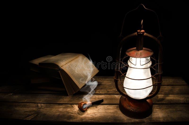 Lecteur de nuit photos stock