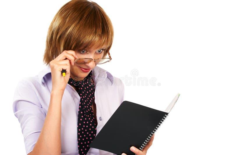 Download Lectura De La Mujer De Negocios Imagen de archivo - Imagen de universidad, trabajo: 1279049