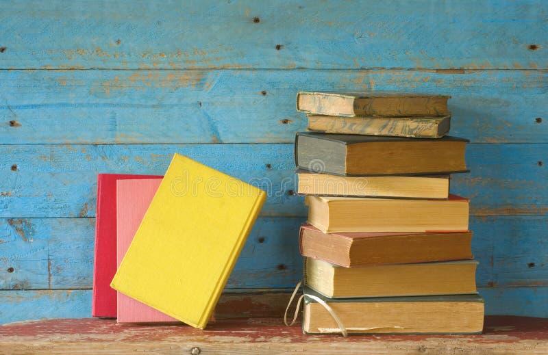 Lecture et littérature, livres photographie stock libre de droits
