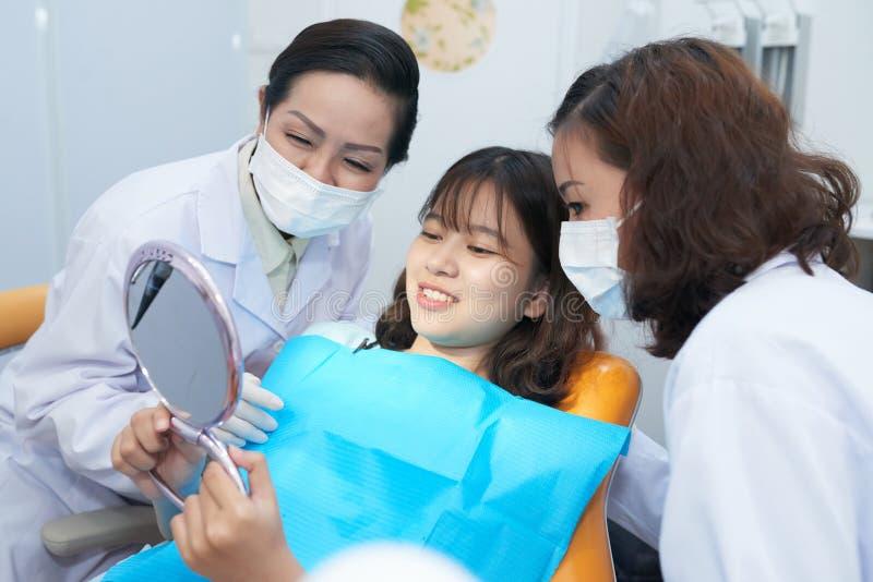 leczenie dentystyczne zdjęcie stock