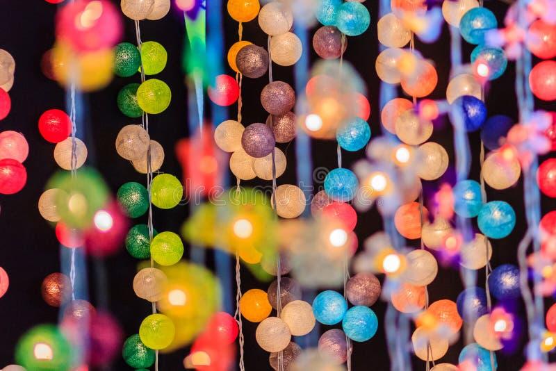 LED照明设备美好的帷幕线与bokeh的在晚上 Abst 免版税图库摄影