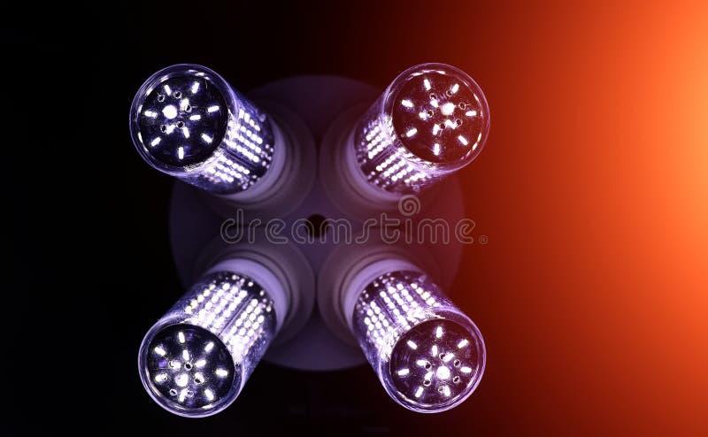 LED-Elemente in der Lampe Lampen mit Dioden Viele hellen Lichter lizenzfreie stockfotos