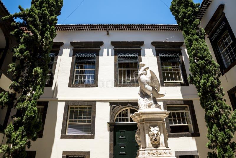 Leda i Łabędzia statua w Dzielnicowym Rządowym Offces w centre Funchal na wyspie Madiera zdjęcie stock