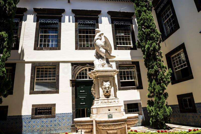 Leda i Łabędzia statua w Dzielnicowym Rządowym Offces w centre Funchal na wyspie Madiera zdjęcia royalty free