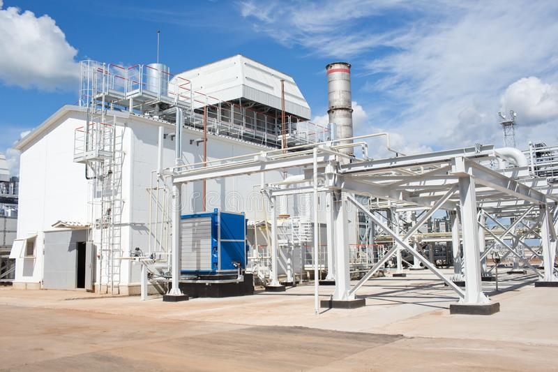 Leda i rör systemet Gas-turbin växt arkivfoton