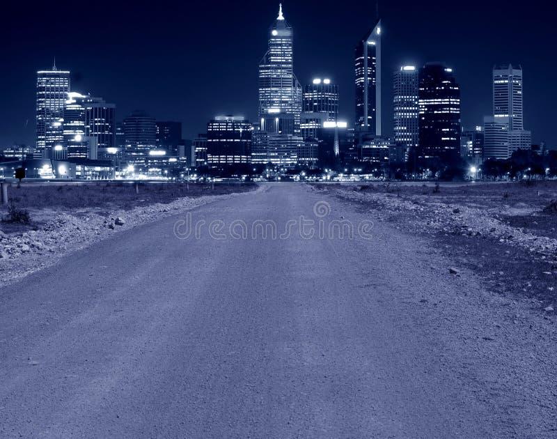ledande väg för stad till royaltyfri fotografi