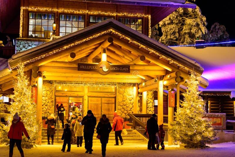 Ledare: Lapland Finland, 30th December 2018 Santa Claus by på Rovaniemi, Lapland Findland arkivbilder