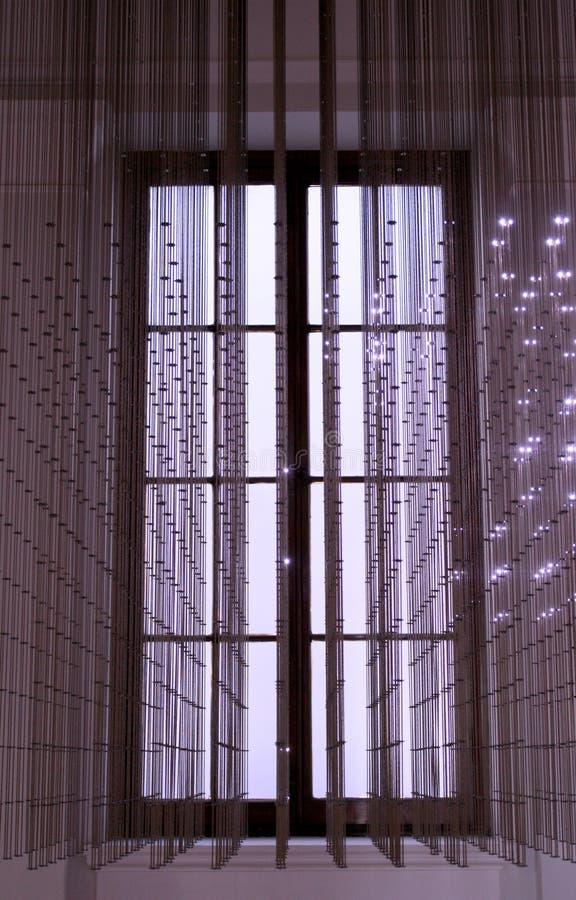 LEDDE ljus framme av fönstret royaltyfri fotografi