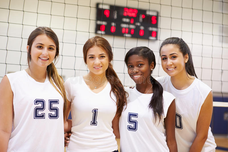 Leden van het Vrouwelijke Team van Middelbare schoolsporten stock afbeelding