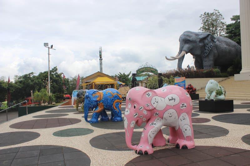 Ledenpop een olifant royalty-vrije stock fotografie