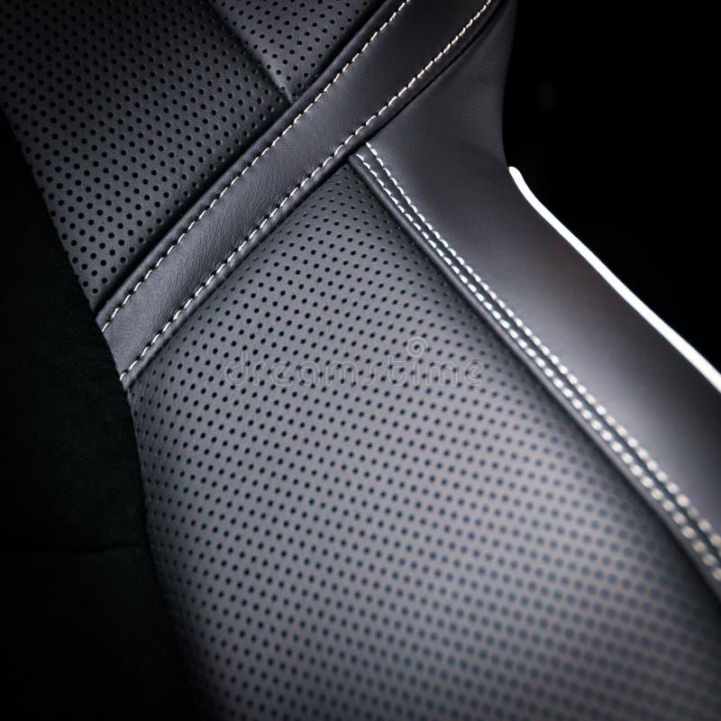 Lederne Autositze lizenzfreie stockfotografie