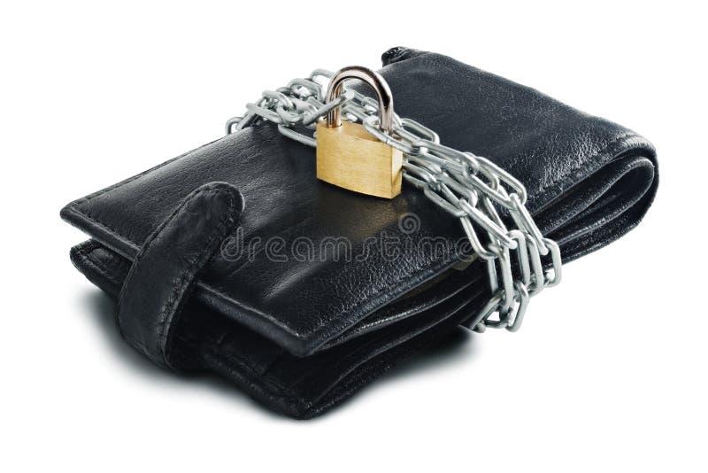 Lederne Geldbörse mit Verschluss und Kette auf Weiß lokalisierten Hintergrund Konzept des Schützens des elektronischen Geldes und stockbilder