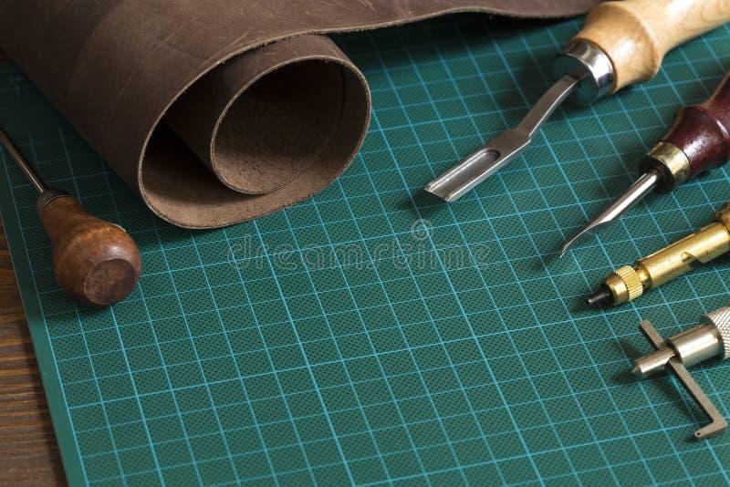 Lederne Handwerkswerkzeuge lizenzfreies stockfoto