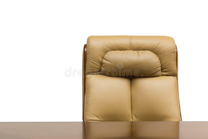 Lederstuhl und Schreibtisch lizenzfreie stockfotos