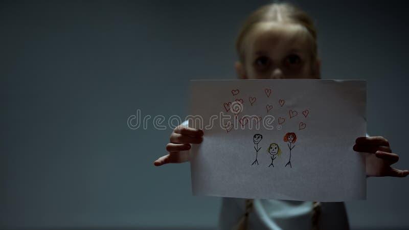 Ledsen bild f?r flickavisningfamilj till kameran, liten flykting som missa borttappade f?r?ldrar royaltyfri illustrationer