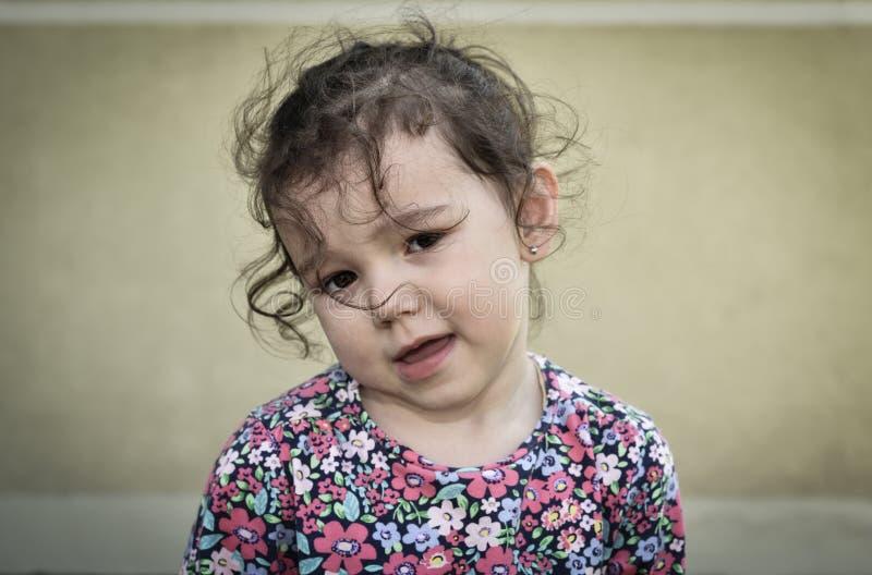 Ledsen och olycklig ung flicka arkivbilder