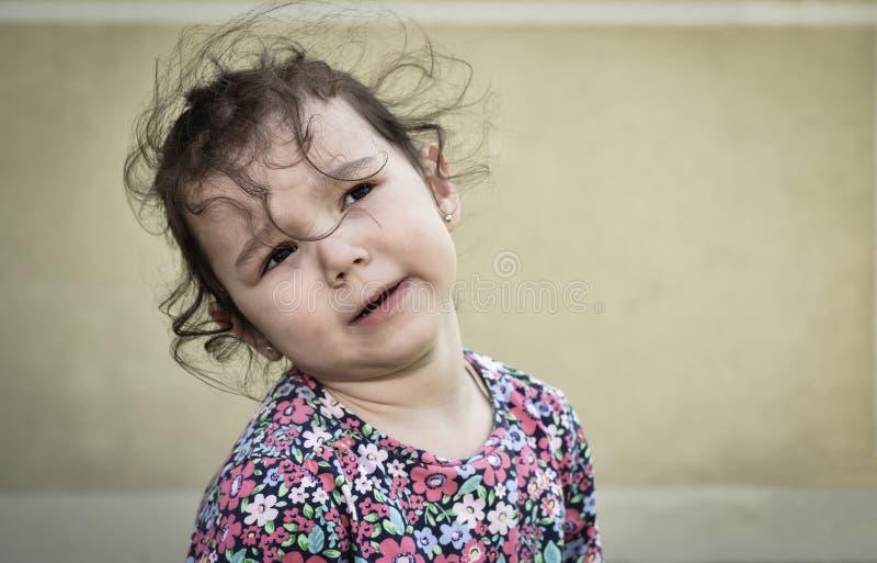 Ledsen och olycklig ung flicka royaltyfri foto