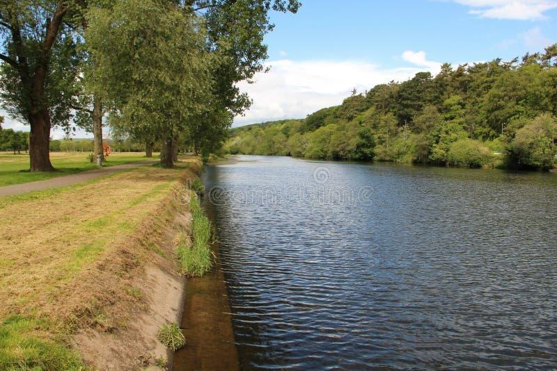 Lee do rio em Cork Ireland foto de stock