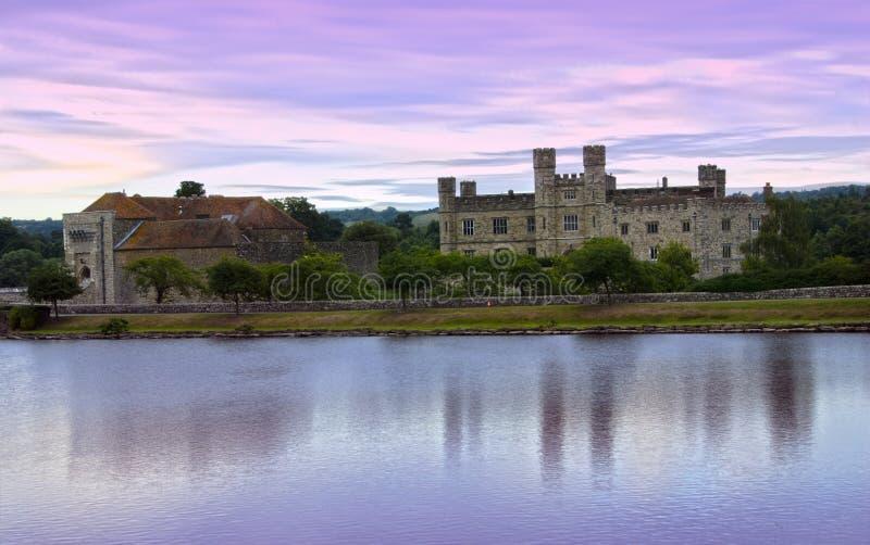 Leeds Castle ad alba fotografie stock libere da diritti