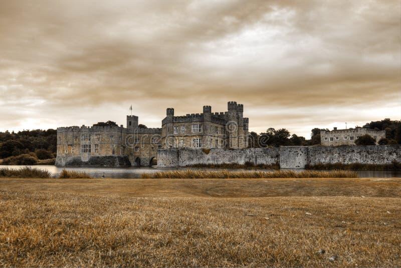 Leeds Castle ad alba immagine stock libera da diritti