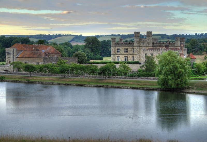 Leeds Castle ad alba fotografia stock libera da diritti