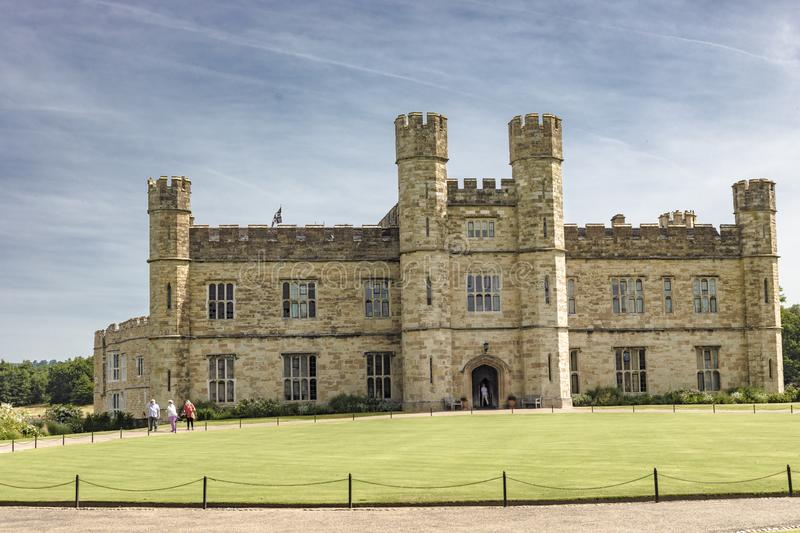 Leeds Castle in Kent England stockbilder