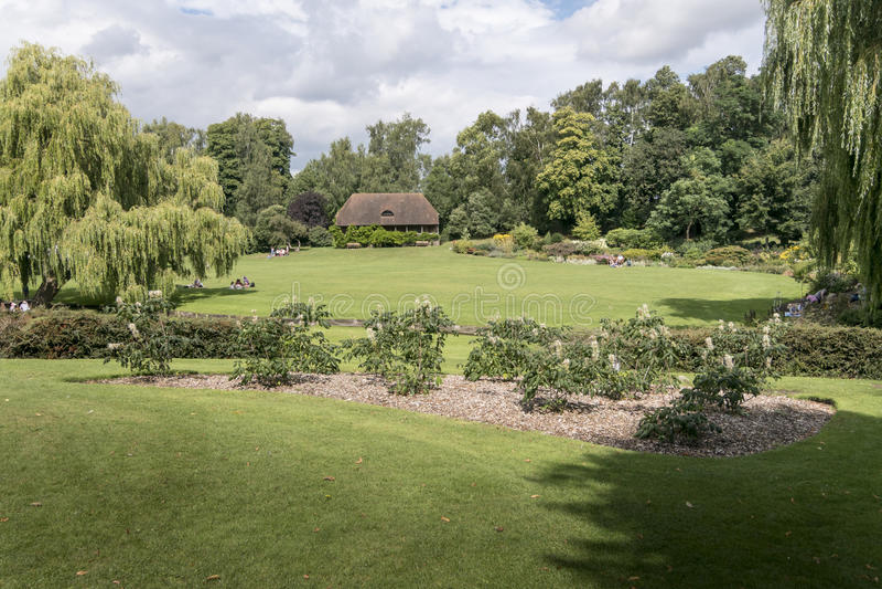 Leeds Castle trädgårdar arkivbilder