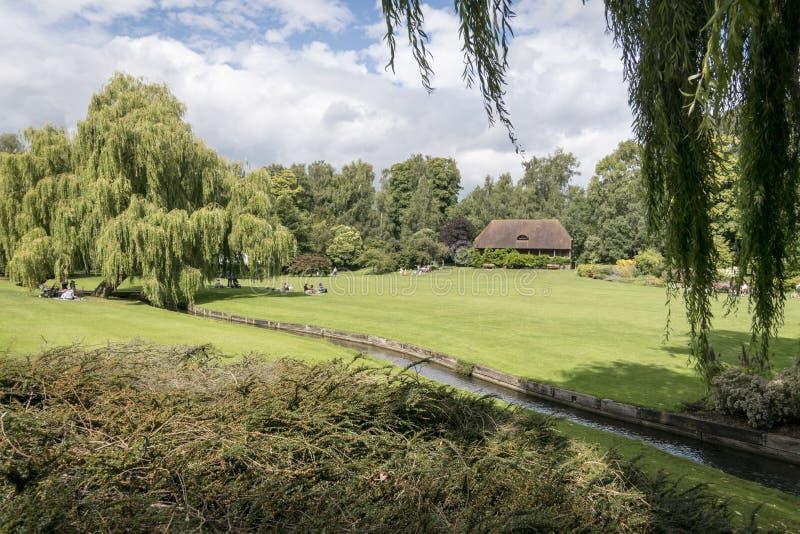 Leeds Castle trädgårdar fotografering för bildbyråer