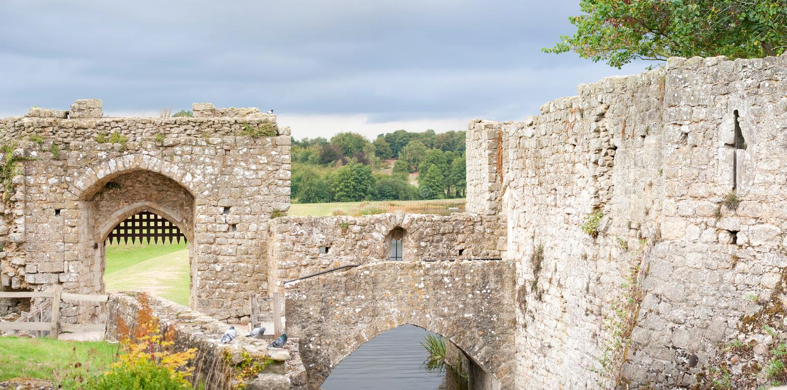 Download Leeds castle walls stock image. Image of militairy, dwelling - 12535537