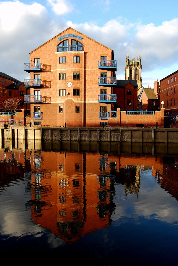 Leeds flats. Apartments reflected by Leeds-Liverpool Channel (United Kingdom royalty free stock photos