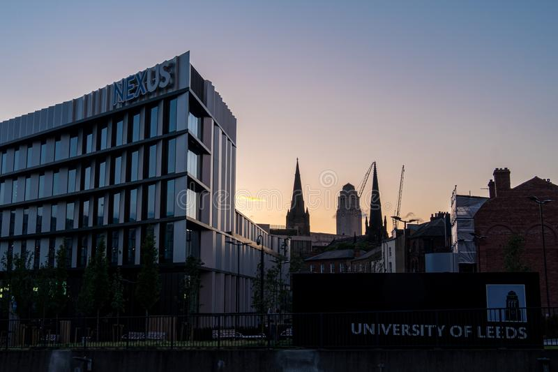 LEEDS, GROSSBRITANNIEN - 2. JUNI 2019: Parkinson, der in der Universität von Leeds, Leeds, Vereinigtes Königreich errichtet lizenzfreies stockfoto