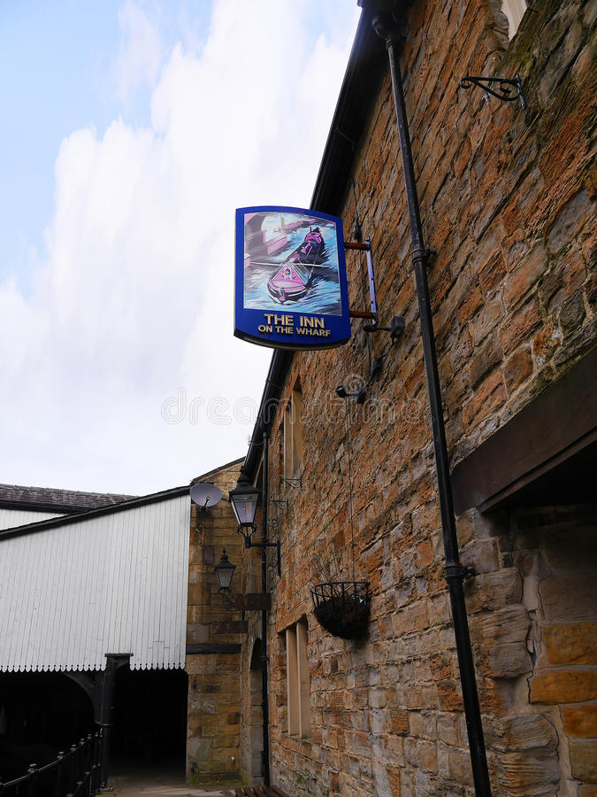 The Leeds Liverpool Canal Pub at Burnley Lancashire. The Leeds and Liverpool Canal is a canal in Northern England, linking the cities of Leeds and Liverpool royalty free stock photo