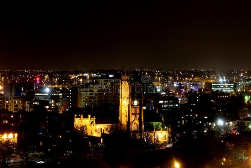 Leeds-Münster nachts lizenzfreie stockbilder