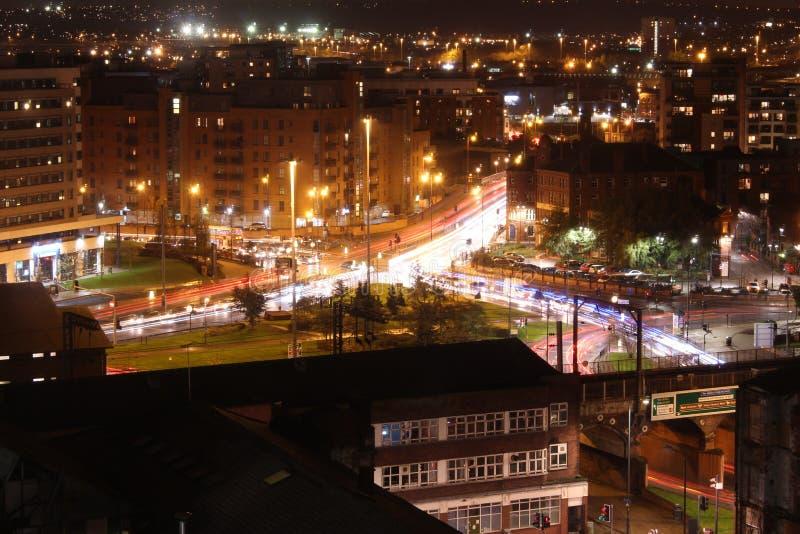 Leeds nachts lizenzfreies stockfoto