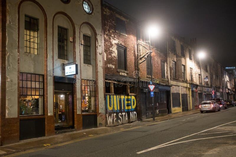 Leeds por noche fotografía de archivo