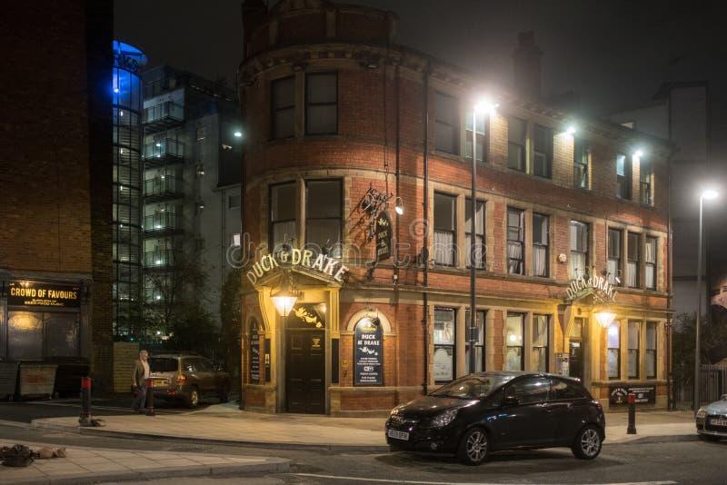 Leeds por noche foto de archivo libre de regalías