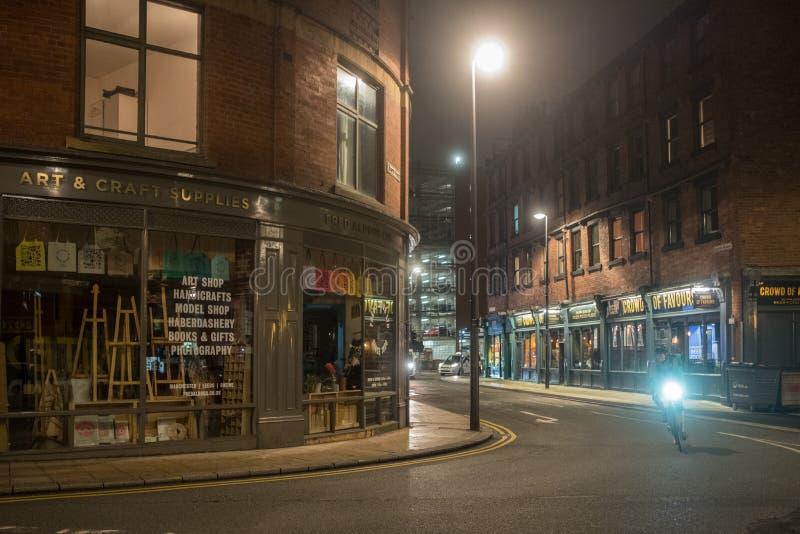 Leeds por noche imágenes de archivo libres de regalías