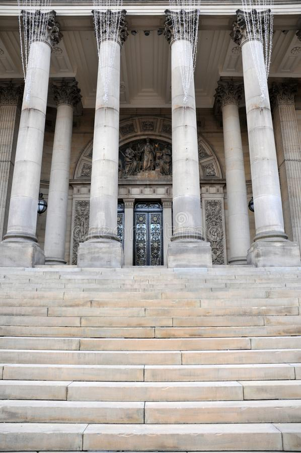 Free Leeds Town Hall The Front Entrance With Steps And Columns Royalty Free Stock Images - 105558319