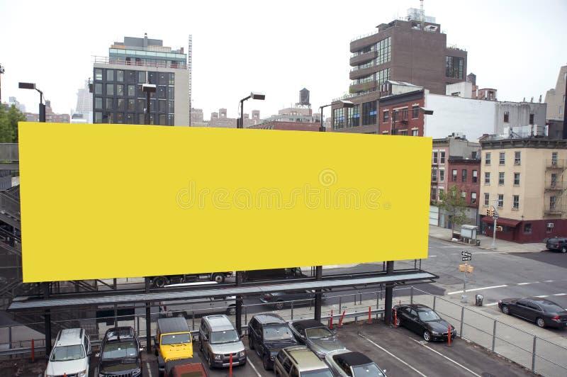 Leeg aanplakbord in een stad stock afbeeldingen