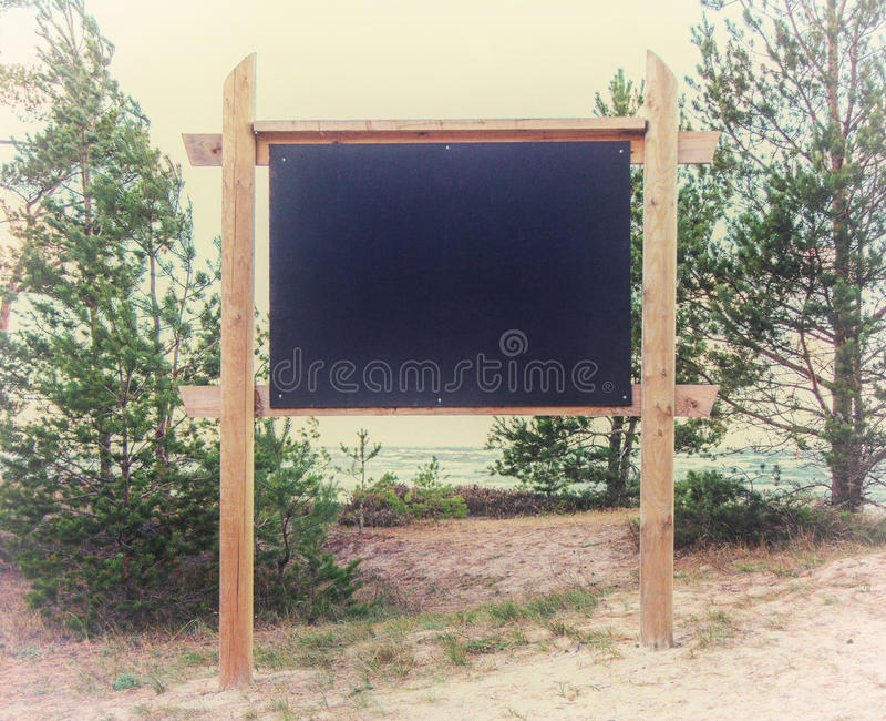 Leeg Aanplakbord op het strand royalty-vrije stock foto's