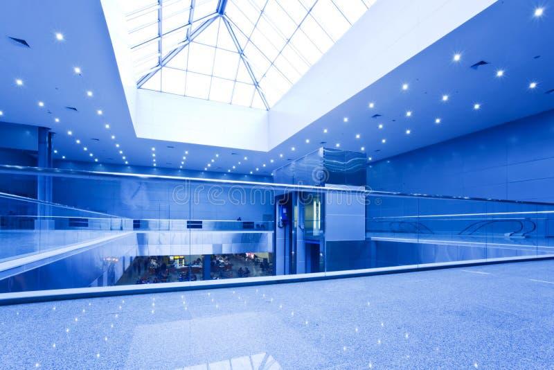 Leeg bureaucentrum in blauw royalty-vrije stock foto's