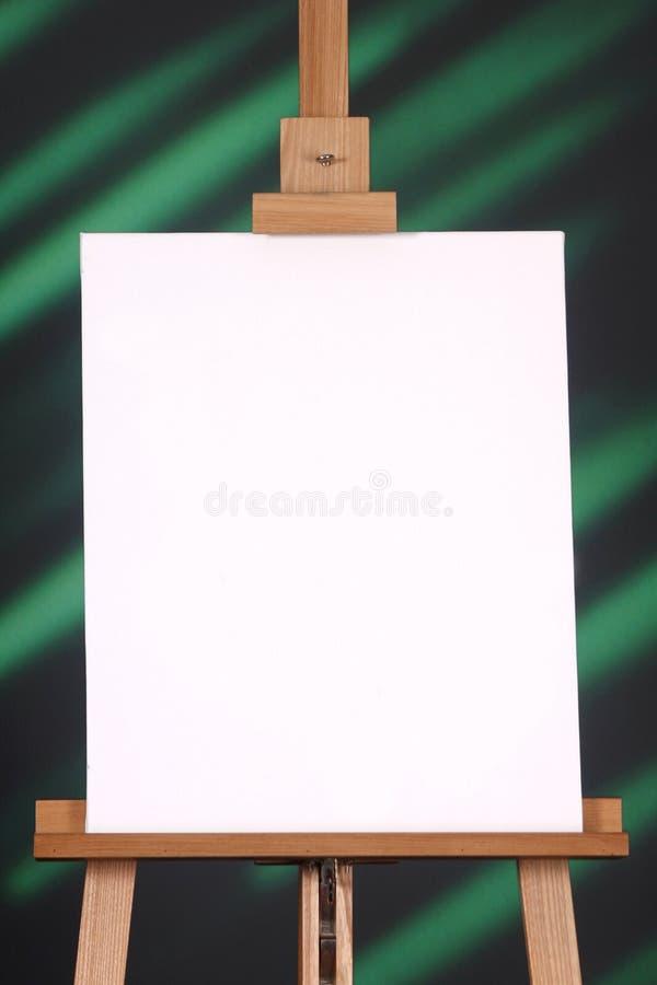 Download Leeg Canvas Op Een Groene En Zwarte Achtergrond Stock Foto - Afbeelding bestaande uit schilder, richting: 10781696