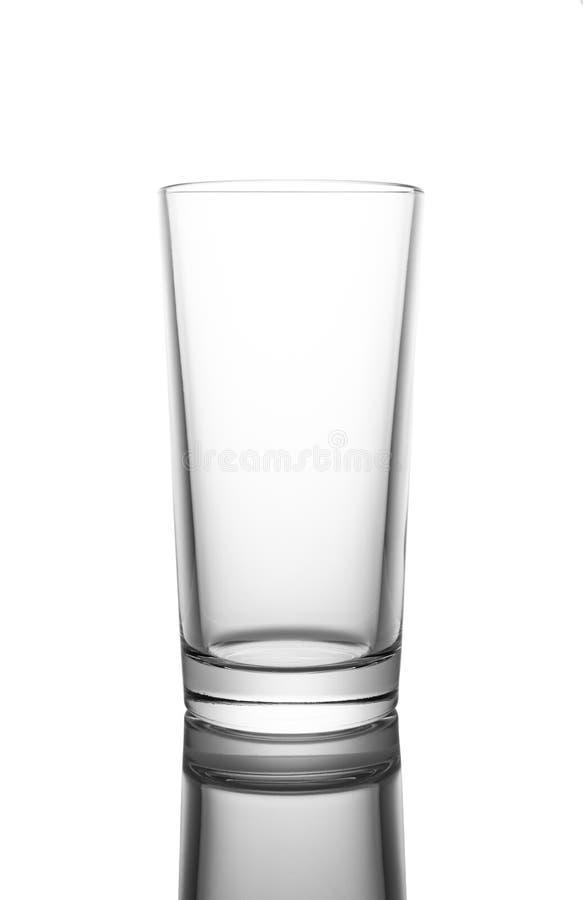 Leeg duidelijk die glas, op witte achtergrond wordt ge?soleerd royalty-vrije stock foto's