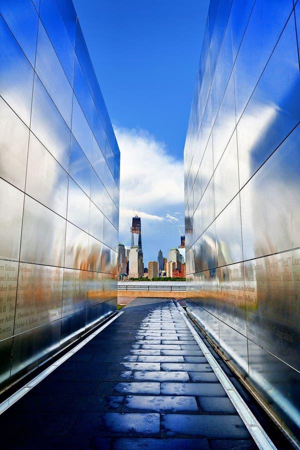 Leeg Hemelgedenkteken met Freedom Tower van het Wereldhandelscentrum royalty-vrije stock afbeelding