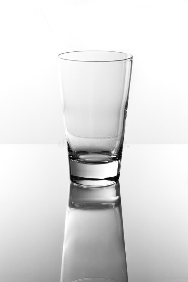 Leeg het drinken glas stock afbeelding