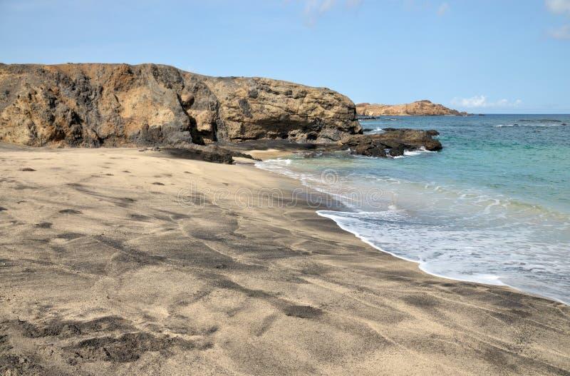 Leeg kalm strand royalty-vrije stock afbeeldingen