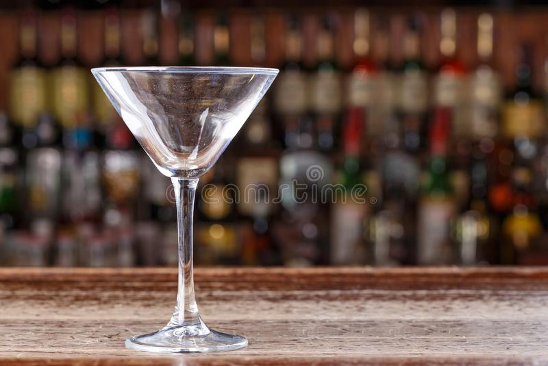 Leeg martini glas stock afbeeldingen