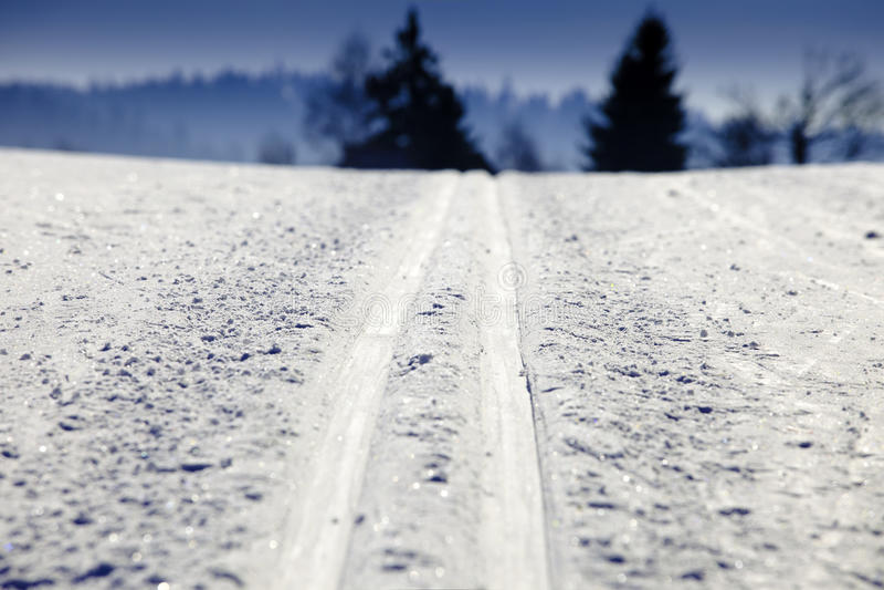 Leeg skispoor in het hele land royalty-vrije stock fotografie