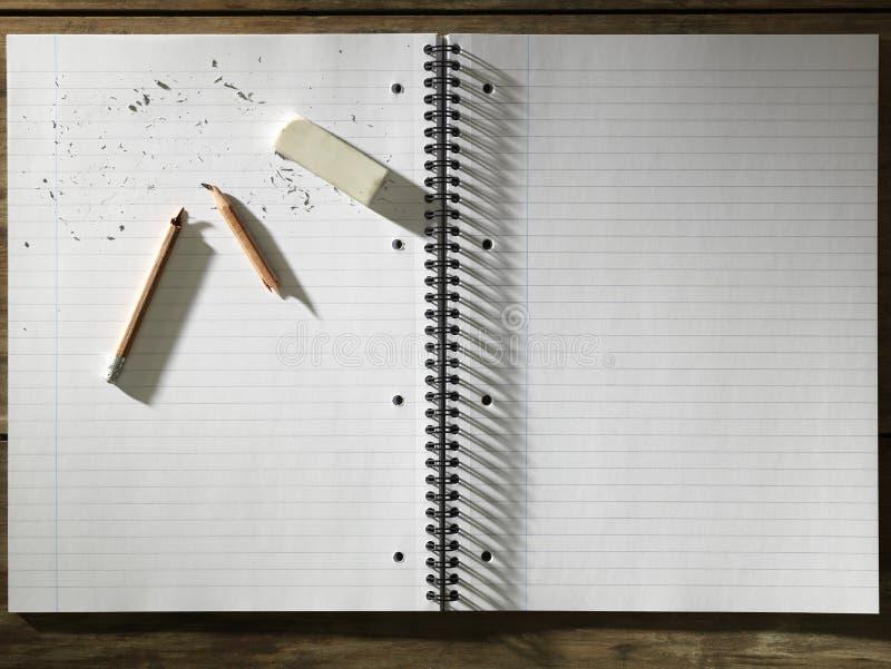 Leeg Stootkussen van Document Gom en Gebroken Potlood stock foto's